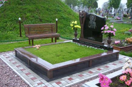Особенности конструкции памятника на могилу